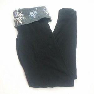 Victoria Secret Yoga Snowflake Leggings